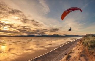 Glider at Rossbeigh Beach